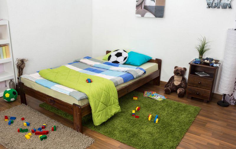 kinderbed / jeugdbed massief grenenhout, kleur walnoten kleur A8, incl. lattenbodem - afmetingen: 120 x 200 cm