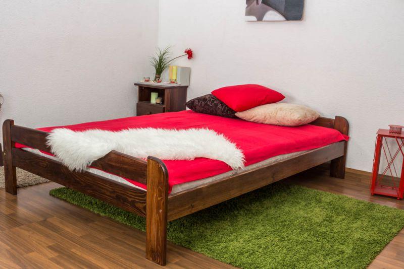 Futonbed / , vol hout, bed massief grenen kleur walnotenhout A11, incl. lattenbodem - afmetingen 140 x 200 cm